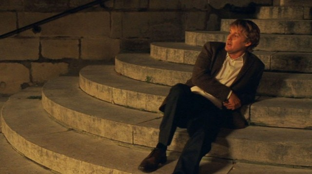 t Gil gets lost and sits on some church steps , Midnight in Paris, location