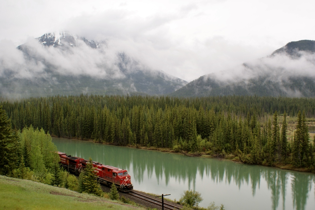 Canadian Rocky Mountans, train,Banff